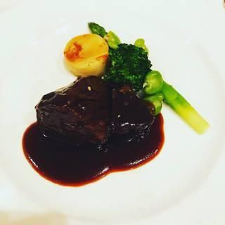 和牛ほほ肉の赤ワイン煮