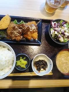 ヒレカツデミグラス味噌ソース