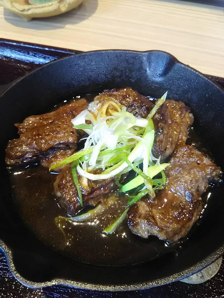 鉄板ステーキ定食