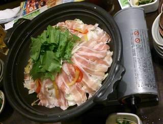 野菜たっぷり・豚バラ肉の陶板焼き