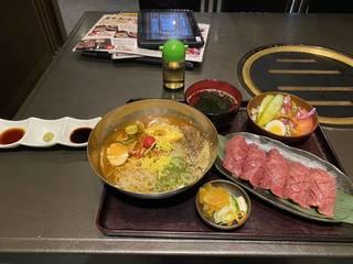 黒毛和牛炙り寿司セット