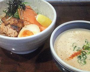 鮭つけ麺+特盛(200円)