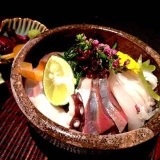 彩り海鮮丼