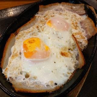 豚バラ目玉焼き定食