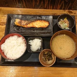 キングサーモン西京漬け定食