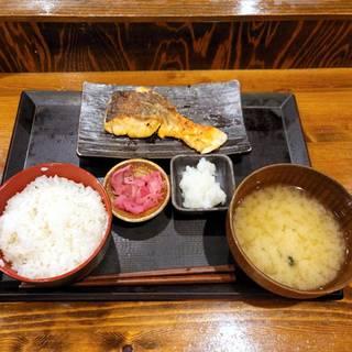 キングサーモン塩焼き定食