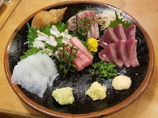 つぶ貝、カツヲ、カンパチ、平目、マグロのお刺身