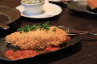 帆立貝柱のカダイフ巻き トマトソース