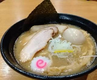 特製豚骨魚介らーめん 太麺