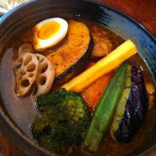 季節野菜とチキンのスープカレー