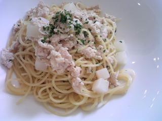 鶏ひき肉と聖護院カブのスパゲティ