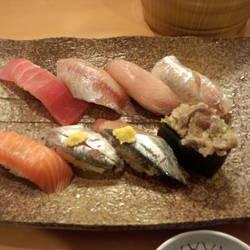 回転寿司 魚敬 ウィング久里浜