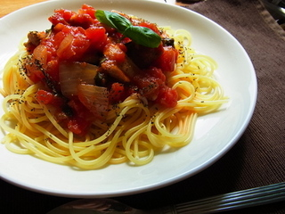 トマトと鶏のパスタ