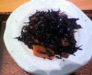 黒豆とひじきの煮物