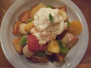 フルーツフレンチトースト
