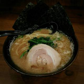 豚骨ラーメン(醤油)