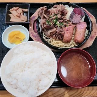 ヤキニク&ソーセージ定食