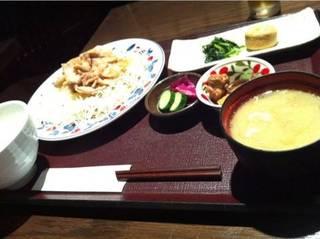 スタミナ生姜焼き膳