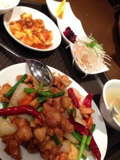 若鶏と唐辛子のピリ辛炒め定食