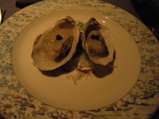 生牡蠣のキャビア添え