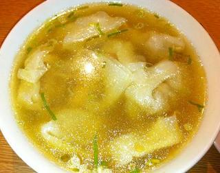 海老、豚肉入りワンタンスープ