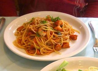 タコとオリーブのトマトソーススパゲティシチリア風