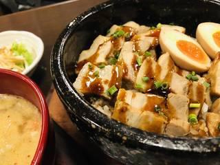 石焼き角煮飯