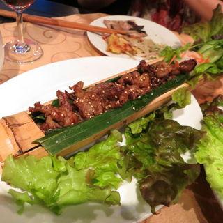 牛肉の竹詰め焼き