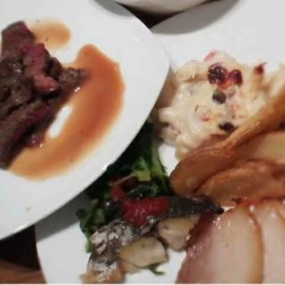 ライブクッキングコーナー:アメリカ産牛肩ロースステーキ