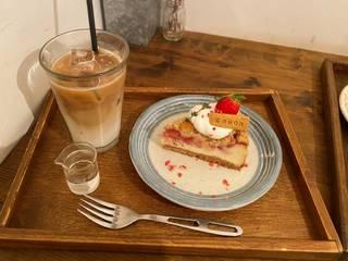 ベイクドストロベリーチーズケーキ