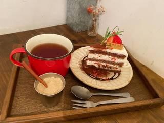 イチゴのショコラショートケーキ