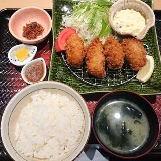 広島産カキフライ定食