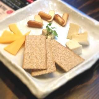 4種のチーズ盛り合わせ