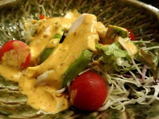 蒸し鶏とアボガドのコブサラダ