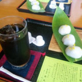 稲花餅とアイスコーヒーのセット