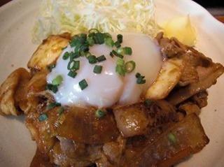 豚キムチ炒め定食 温泉卵