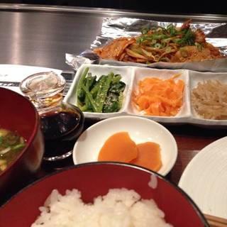 鉄板焼きの豚キムチ定食