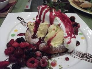 もちもちベリーパンケーキ
