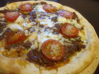 ボロネーゼのピザ