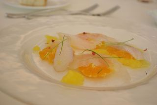 白身魚とオレンジのカルパッチョ