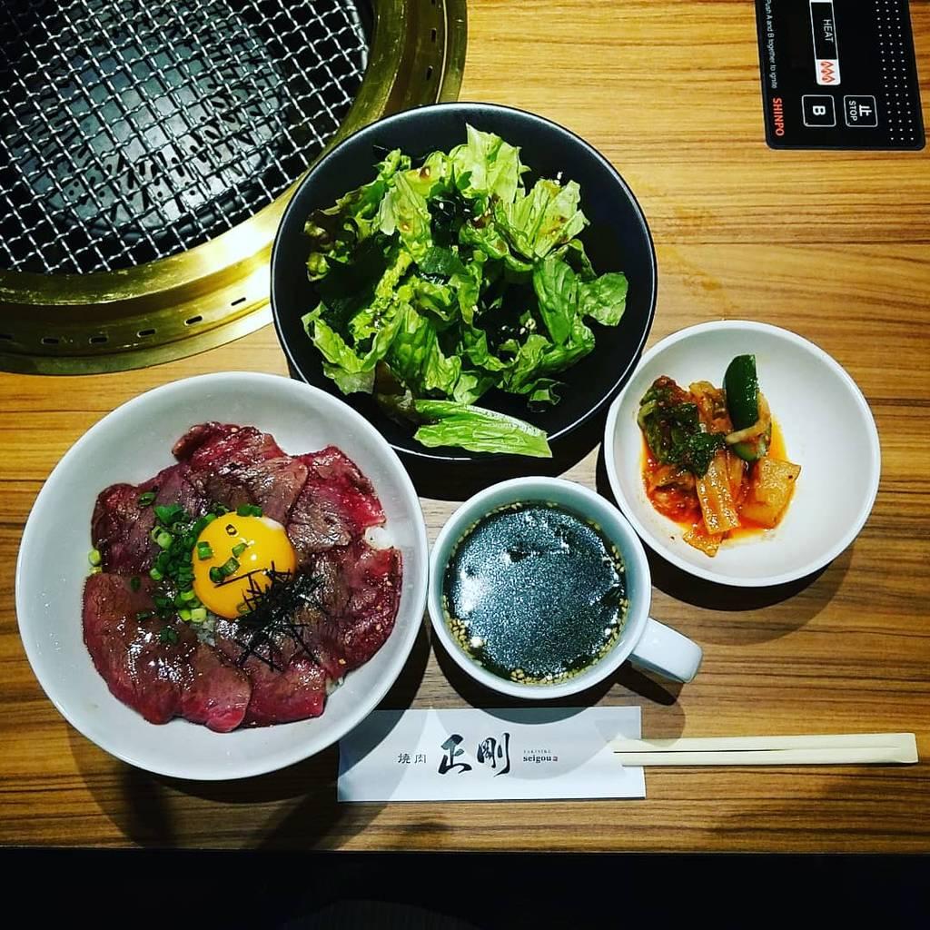 炙りロース丼ランチセット