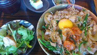 ぶたキムチ丼定食