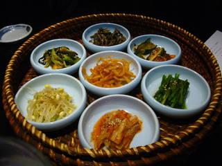 キムチ・旬菜ナムル7種盛り