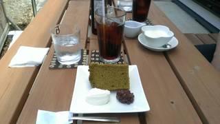 抹茶のシフォンケーキとアイスコーヒーセット