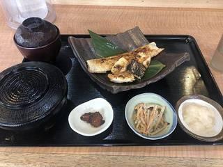 サーモンハラス定食