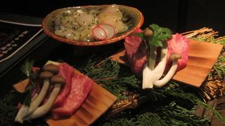 厚切り牛タンとフグの鉄板ステーキ
