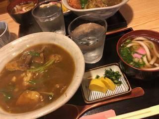 牛すじカレー丼