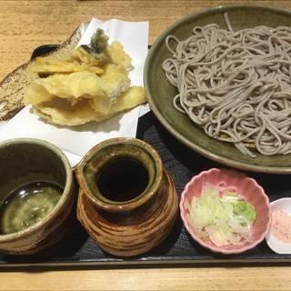 穴子と旬野菜天ぷら蕎麦