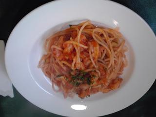 小エビとズッキーニのトマトソースパスタ