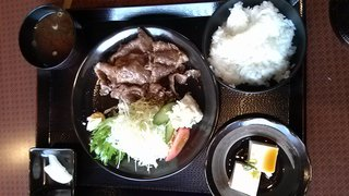 和牛ロースの生姜焼き定食